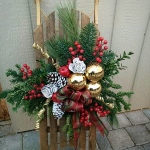 Wooden Sleigh Porch Decoration